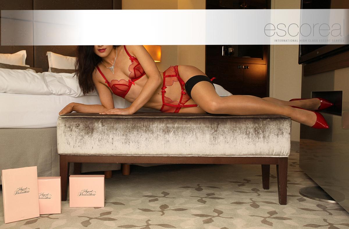 sex mit strap on highclass escort münchen